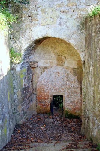 Porta que dava acesso à Almedina, rebatizada de Porta do Sangue quando to cerco de Tomar em 1190.