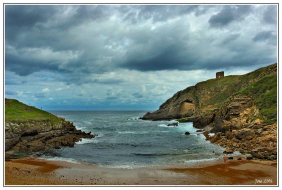 Praia de Santa Justa, a única do município de Santillana del Mar, na localidade de Ubiarco.